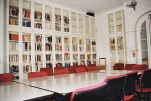 Bibliothek_Raum12